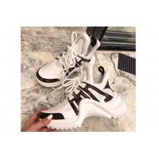 Louis Vuitton 1A43L1 LV Archlight sneaker in Patent Monogram canvas and technical fabrics